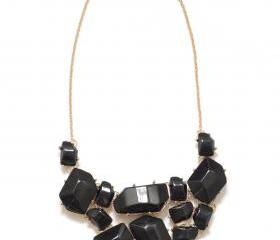 Black geometric neck..
