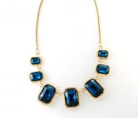 Blue statement neckl..